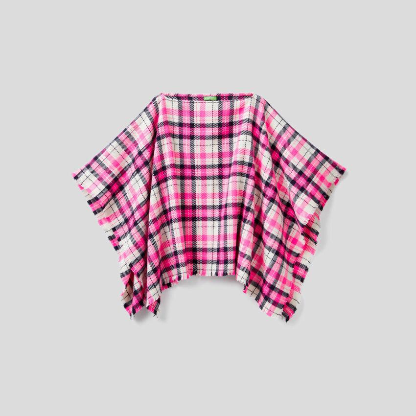 Poncho motif tartan