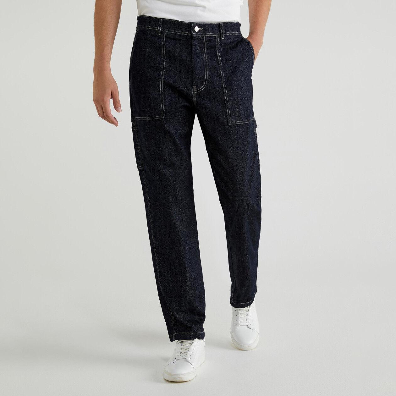Jeans avec poches sur les côtés