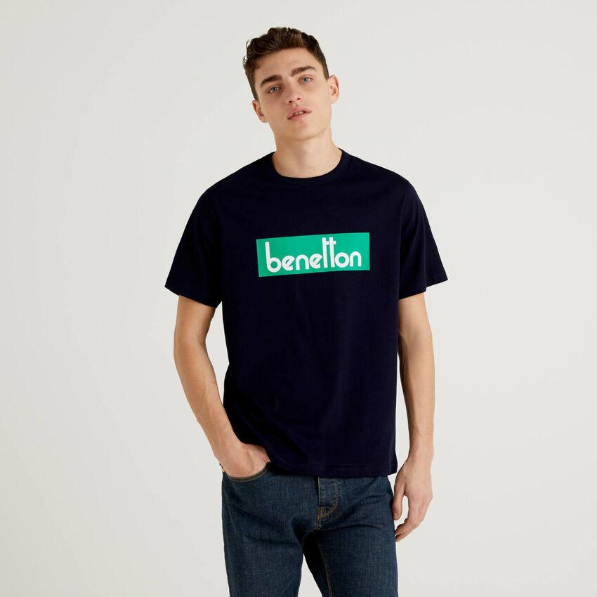 T-shirt bleu foncé avec logo imprimé