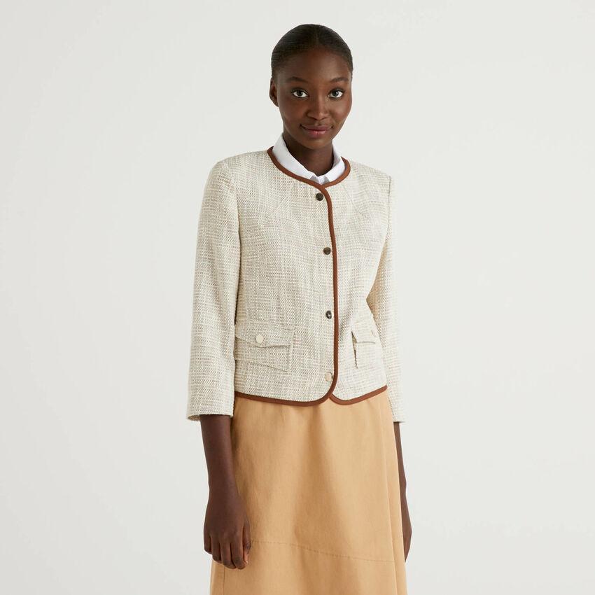 Veste avec bords de couleur contrastée