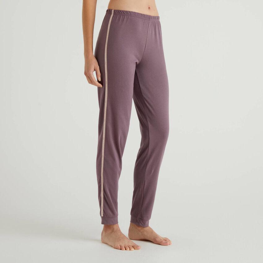 Pantalon avec bandes siglées