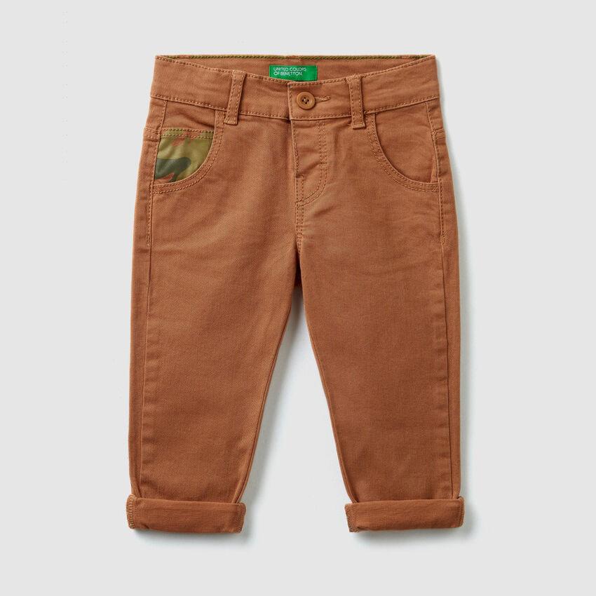 Pantalon avec détails fantaisie