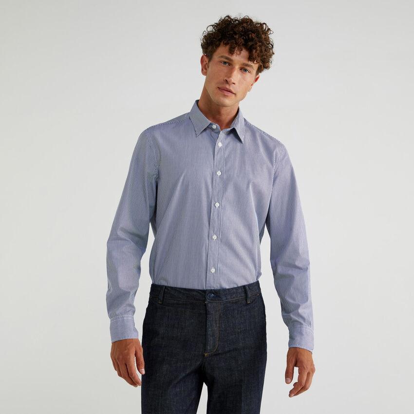 Chemise en coton tissé teint
