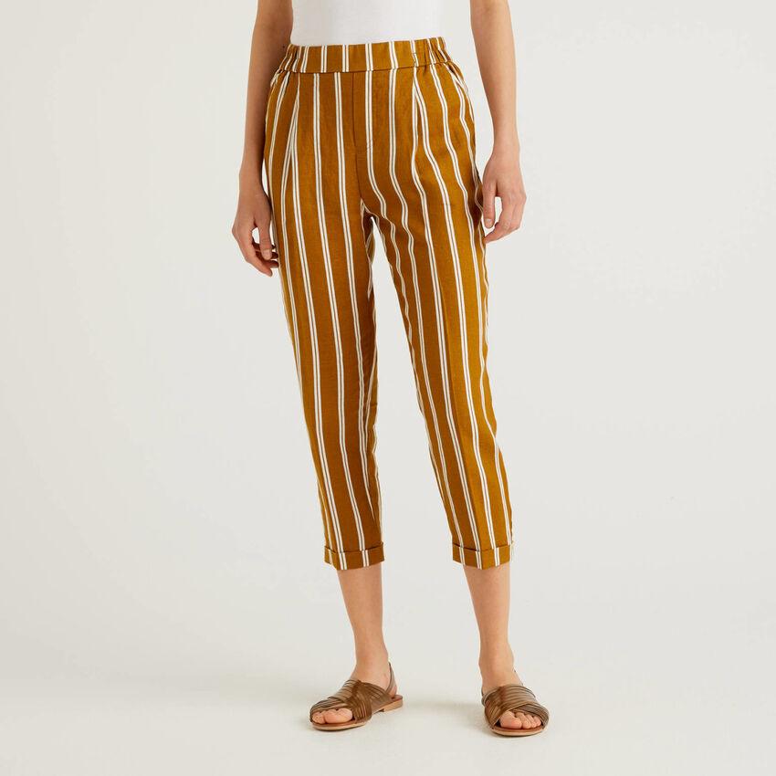 Pantalon 100% lin imprimé à motifs