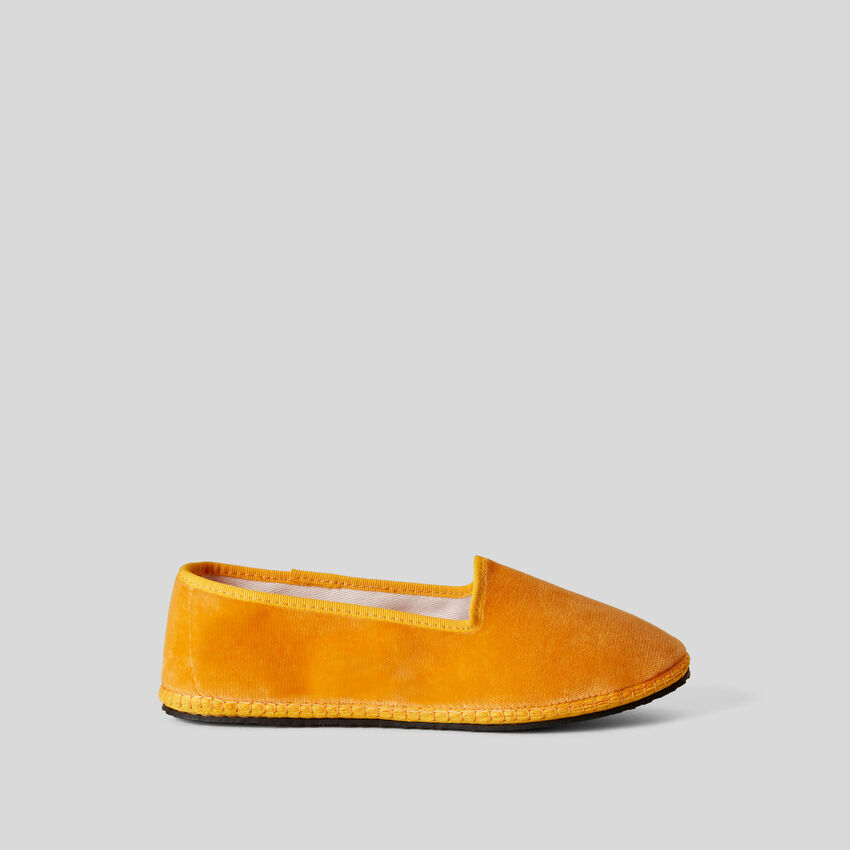 Friulanes jaunes en velours