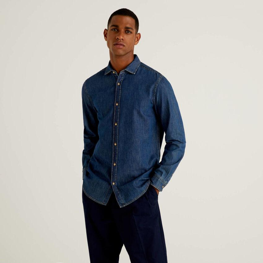 Chemise coupe slim en jeans 100% coton