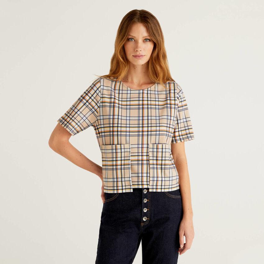 T-shirt à motif et larges poches