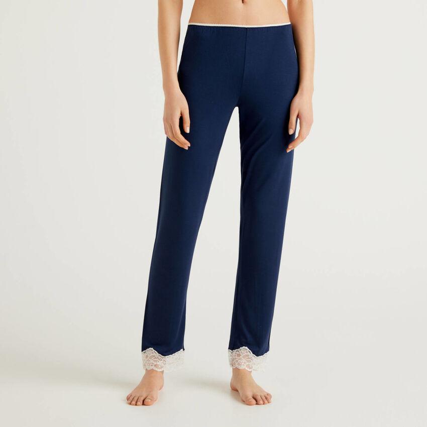 Pantalon avec détails en dentelle