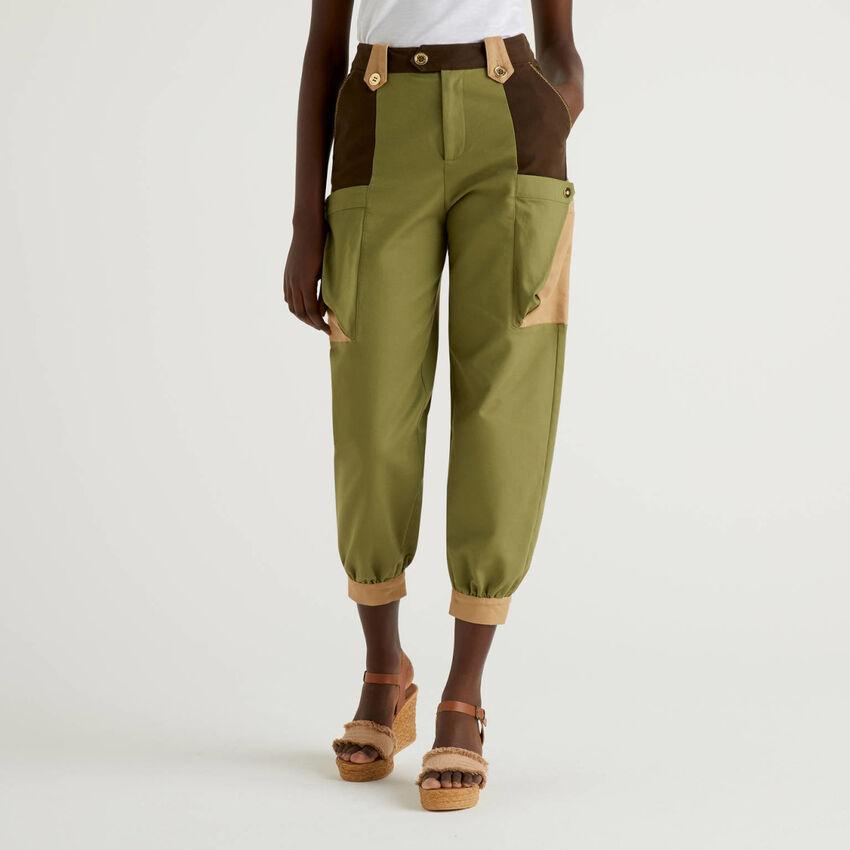 Pantalon cropped à larges poches