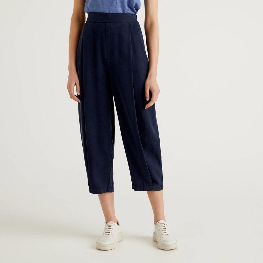 Pantalon fluide avec plis