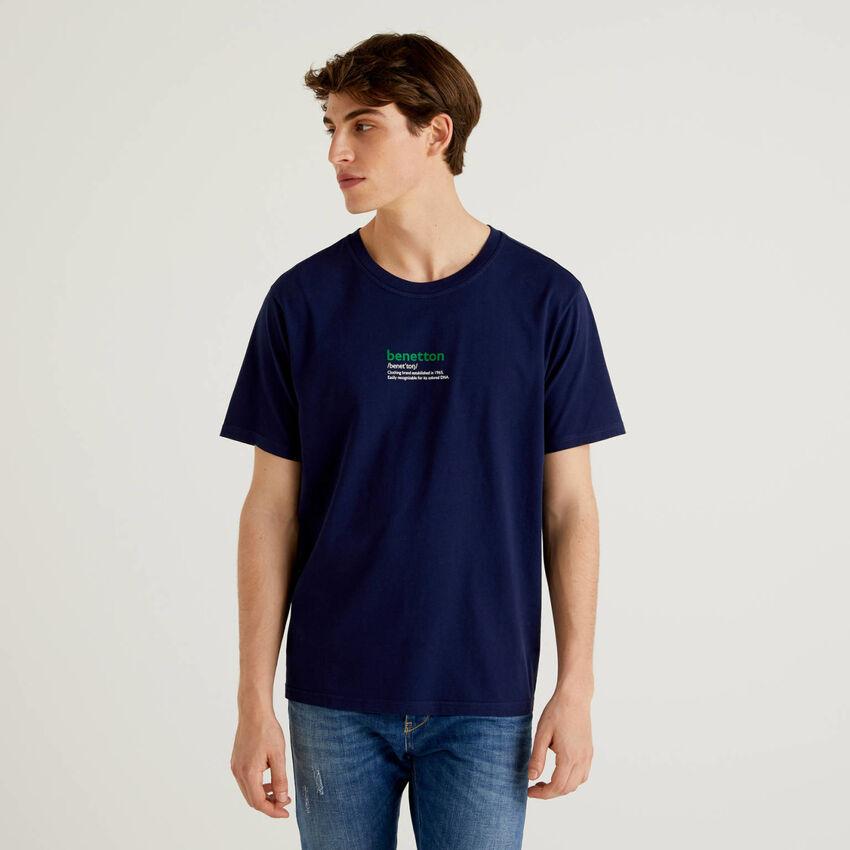 T-shirt bleu foncé 100% coton avec imprimé
