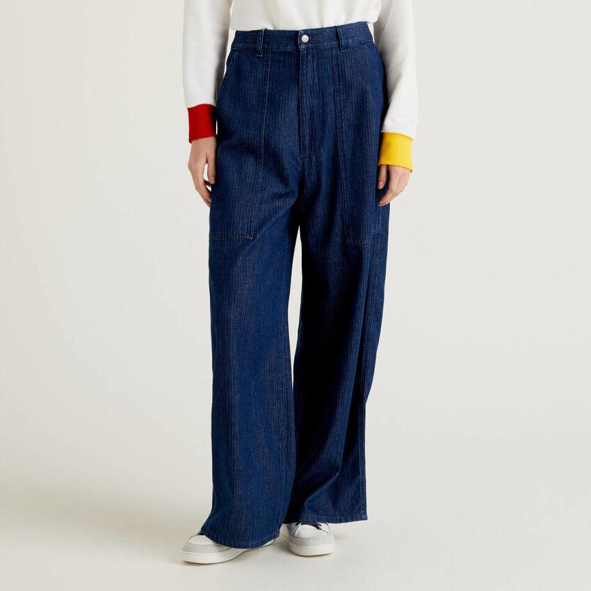Pantalon jean à chevrons coupe loose