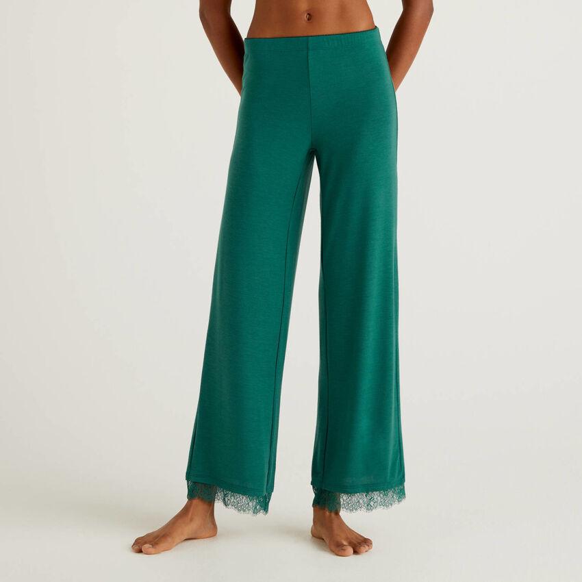 Pantalon avec détail en dentelle