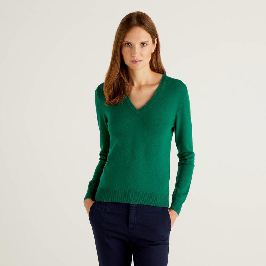 Pull avec col en V vert foncé en pure laine vierge