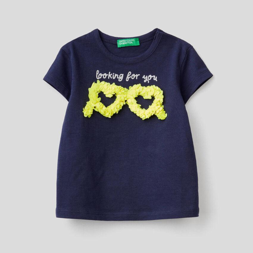 T-shirt avec application effet pétales