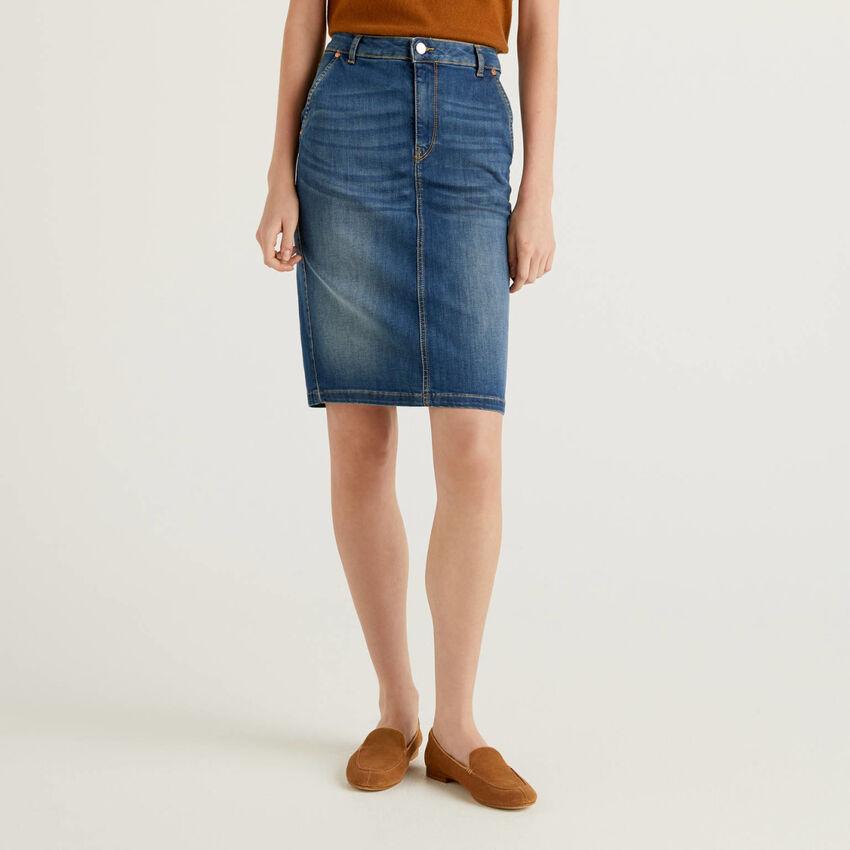 Jupe fourreau en jeans stretch