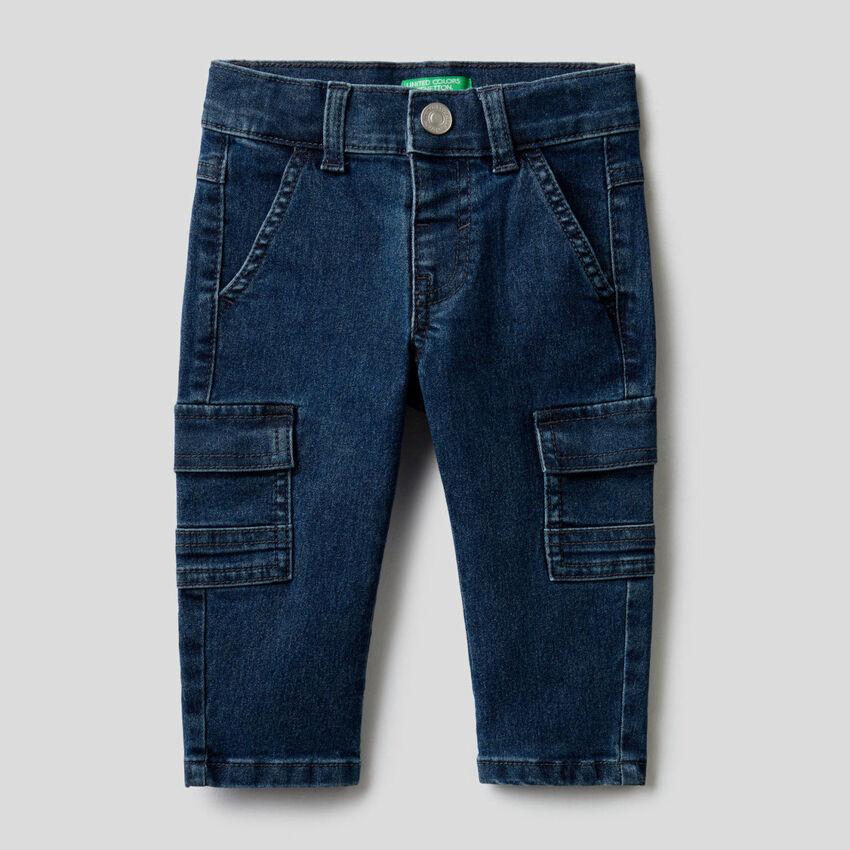 Pantalon cargo en denim stretch