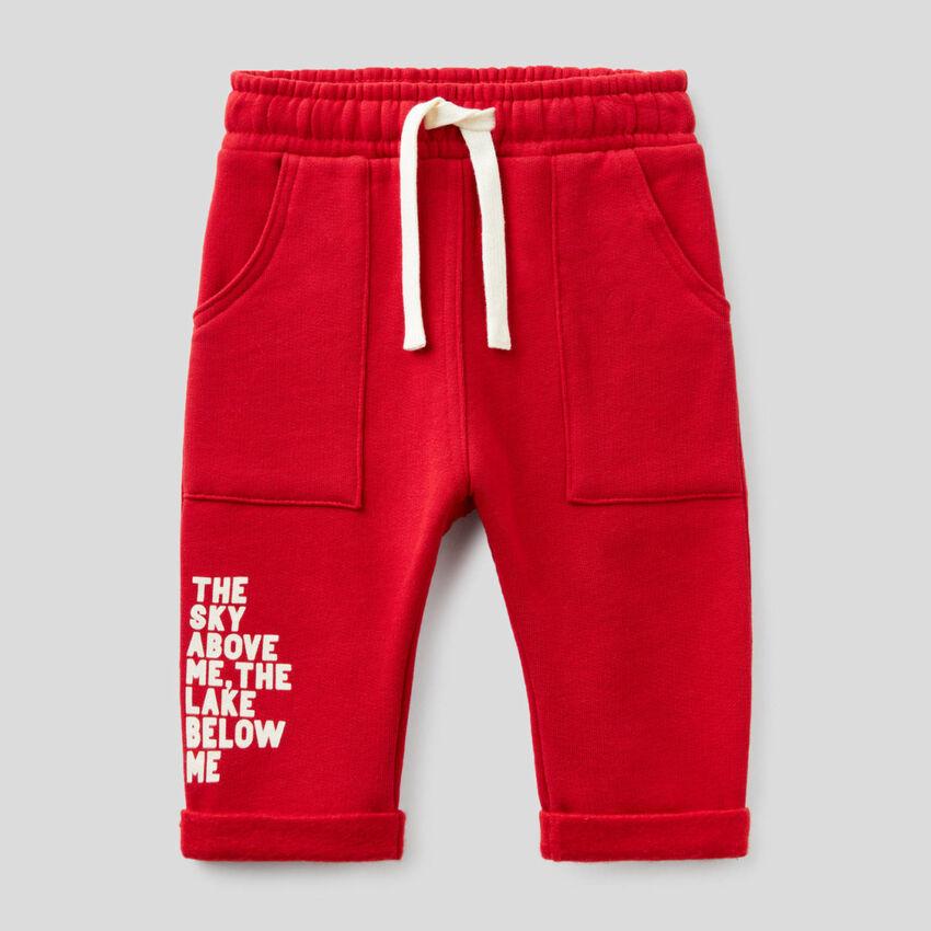 Pantalon rouge coupe baggy en molleton