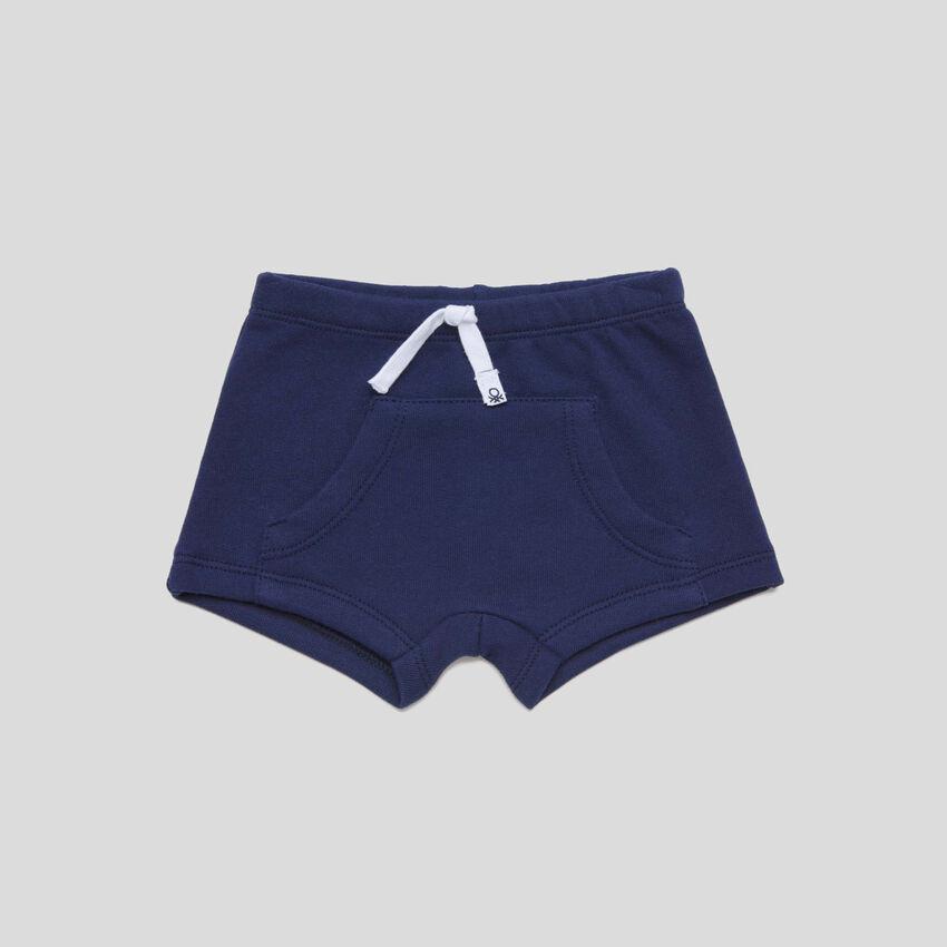 Short avec grande poche
