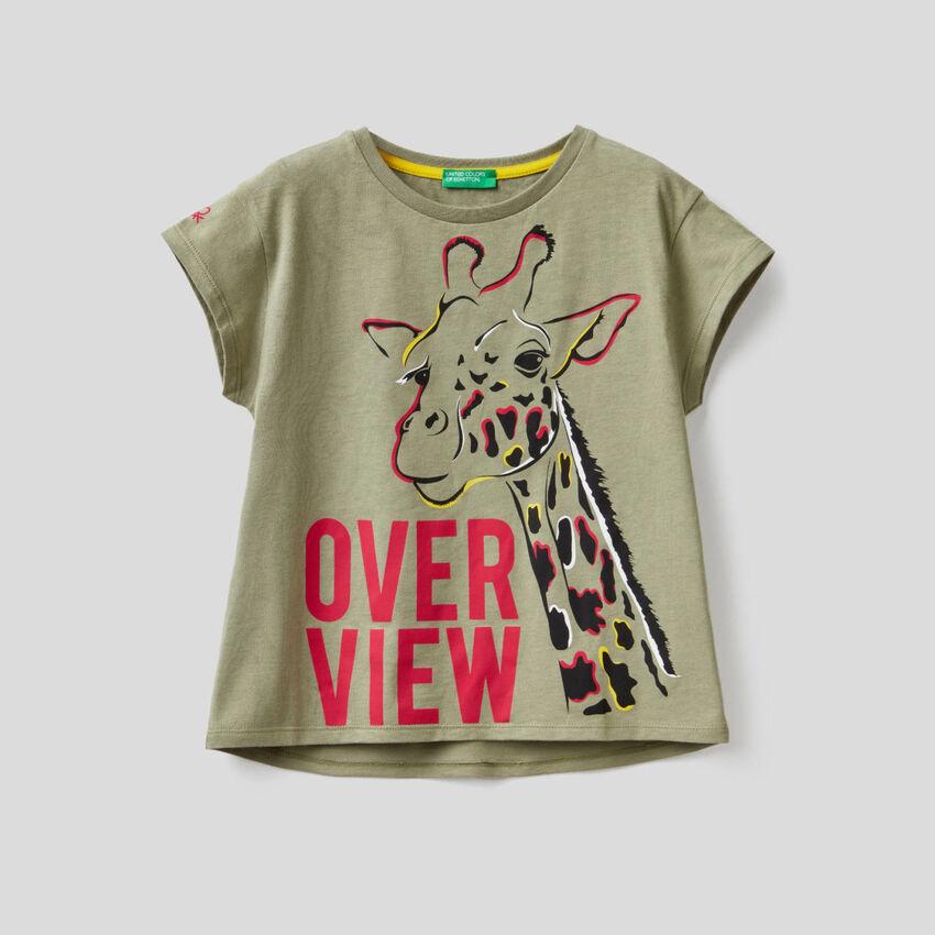 T-shirt vert kaki avec imprimé girafe