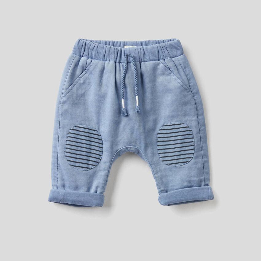 Pantalon avec patch à rayures