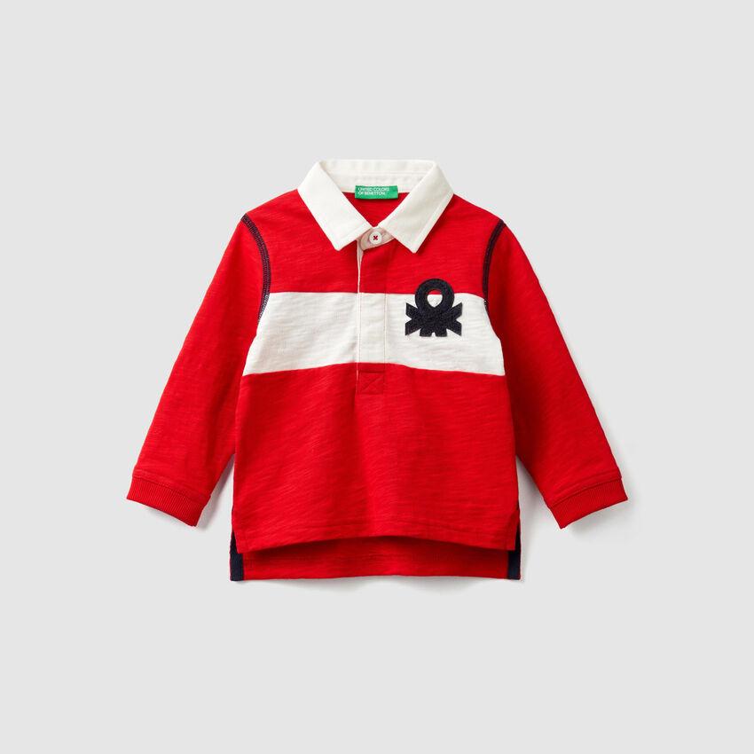 Polo avec bande et logo