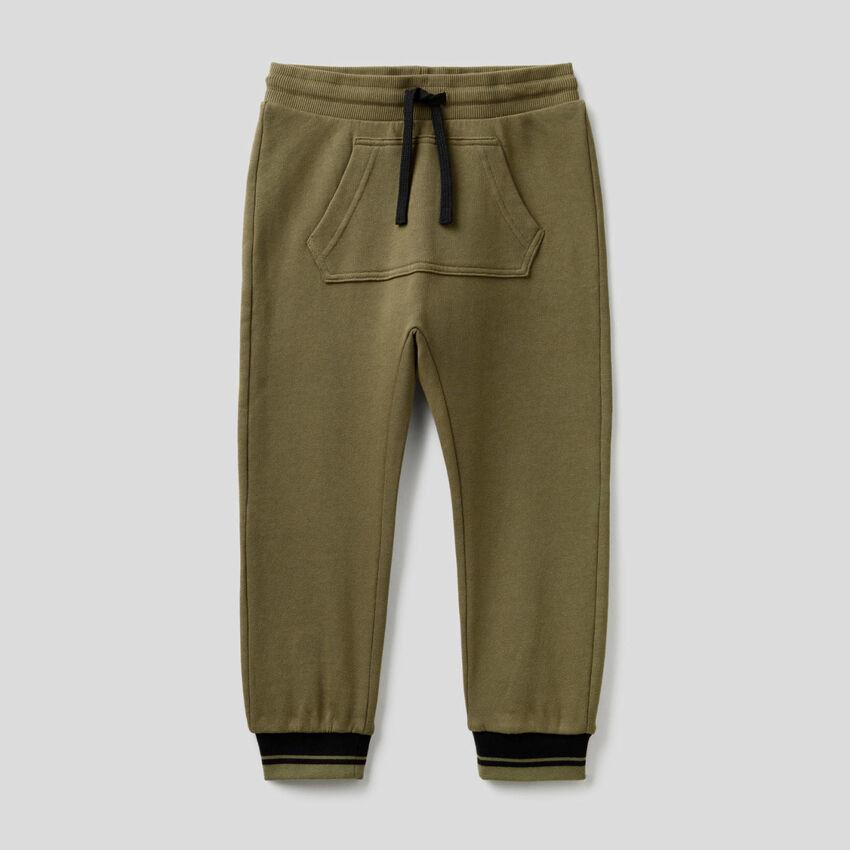 Pantalon en molleton avec poche kangourou