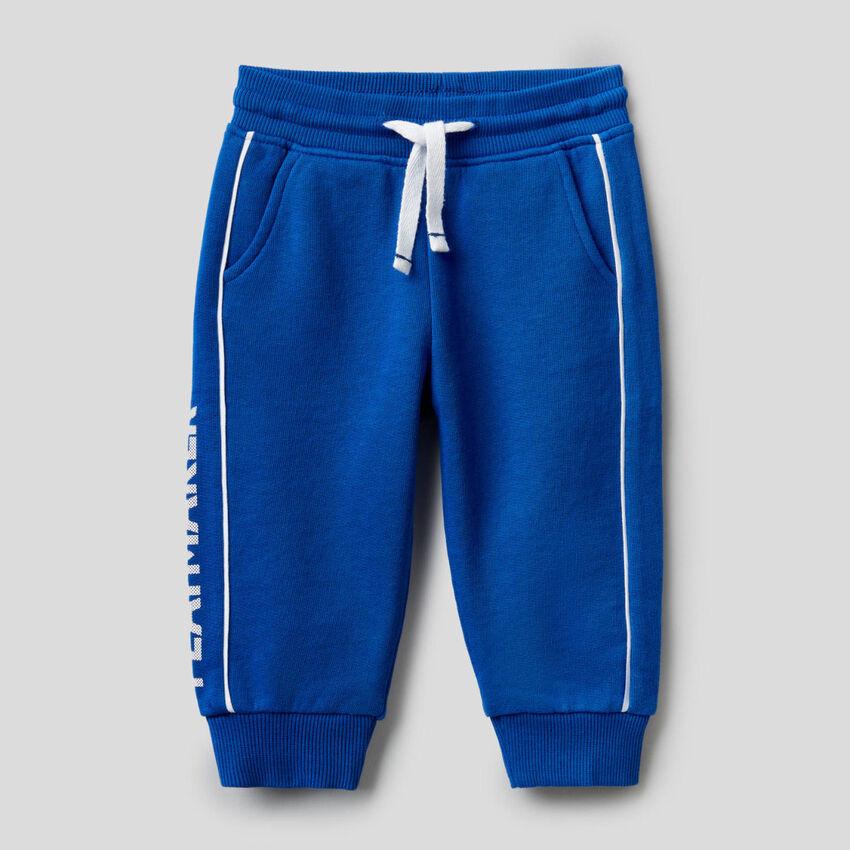 Pantalon en molleton 100% coton avec imprimé