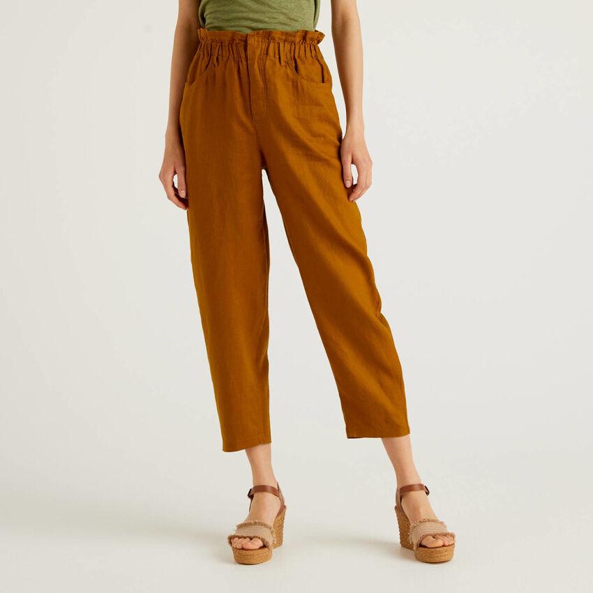 Pantalon en pur lin avec taille froncée