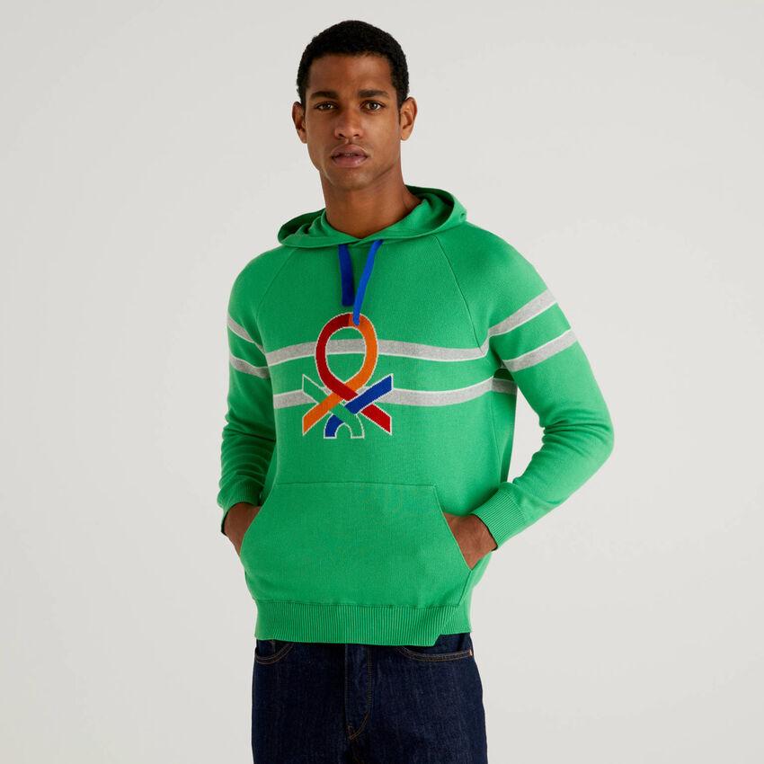 Pull à capuche et logo multicolore