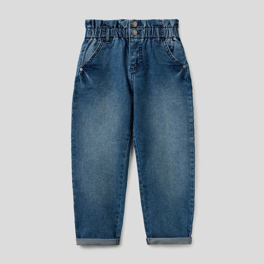 Jeans baggy avec taille froncée