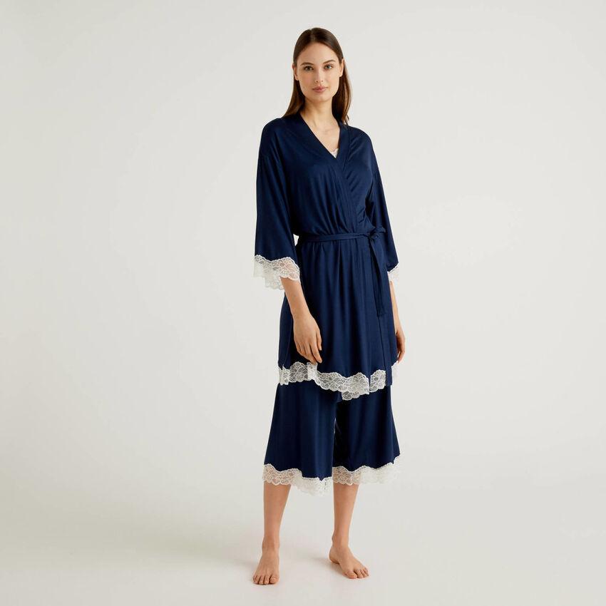 Kimono avec détails en dentelle