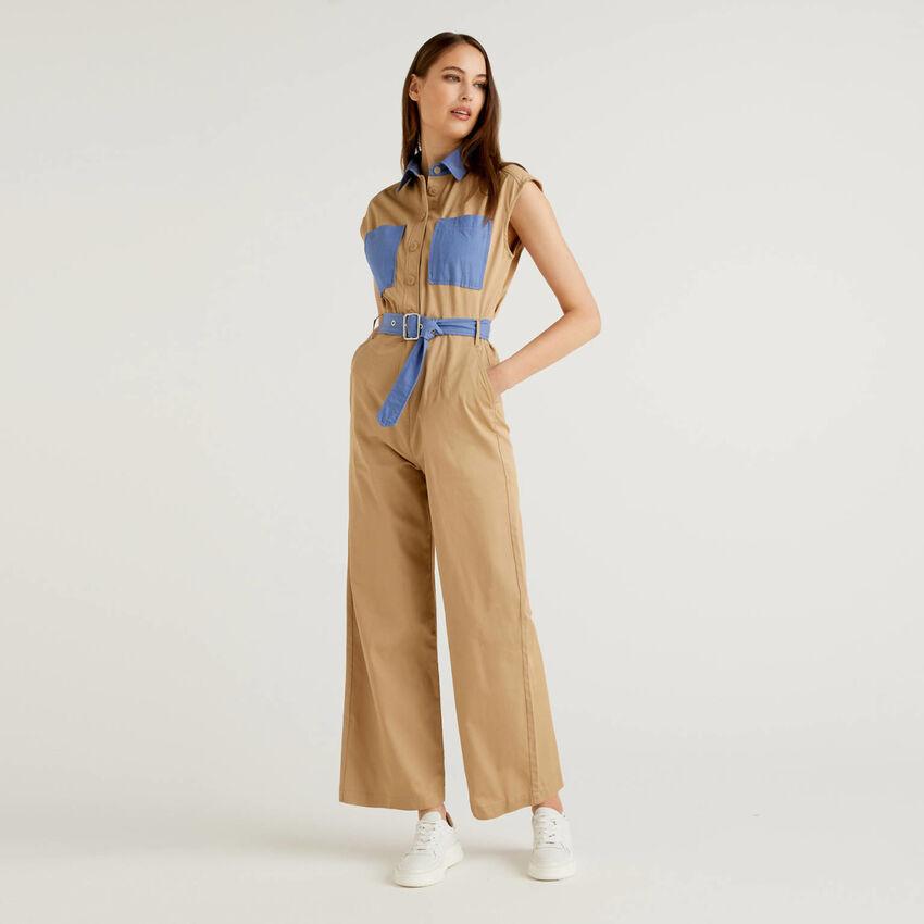 Combi-pantalon en coton avec détails de couleur contrastée