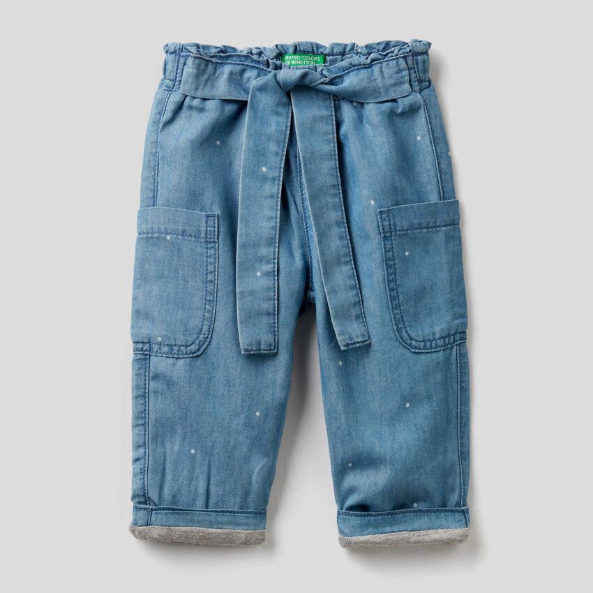 Pantalon cargo en denim léger