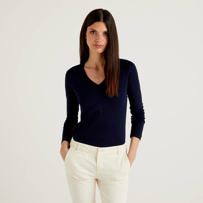 T-shirt à manches longues avec col en V