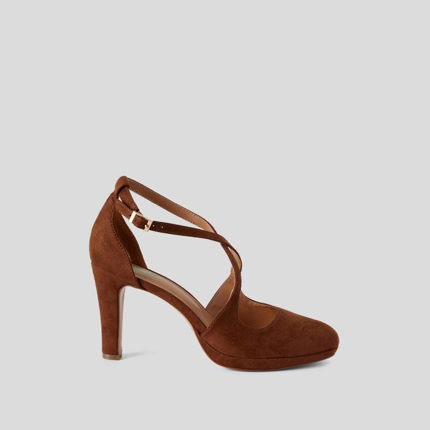 Sandales avec talon et plateforme