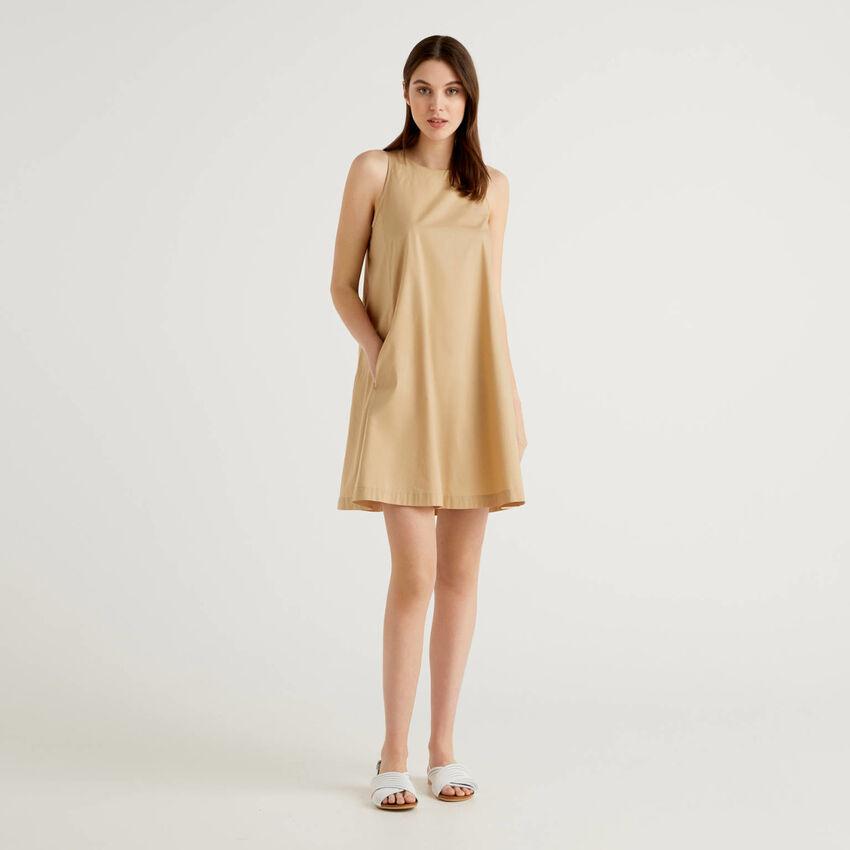 Robe trapèze sans manches
