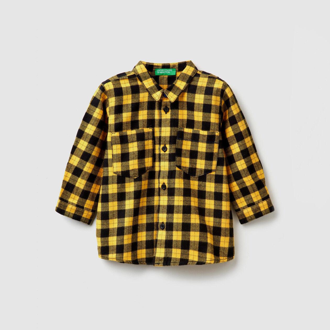 Chemise à carreaux avec imprimé