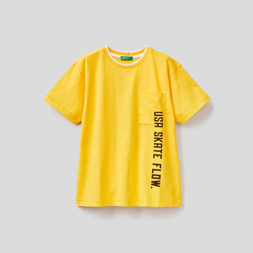 T-shirt avec pochette