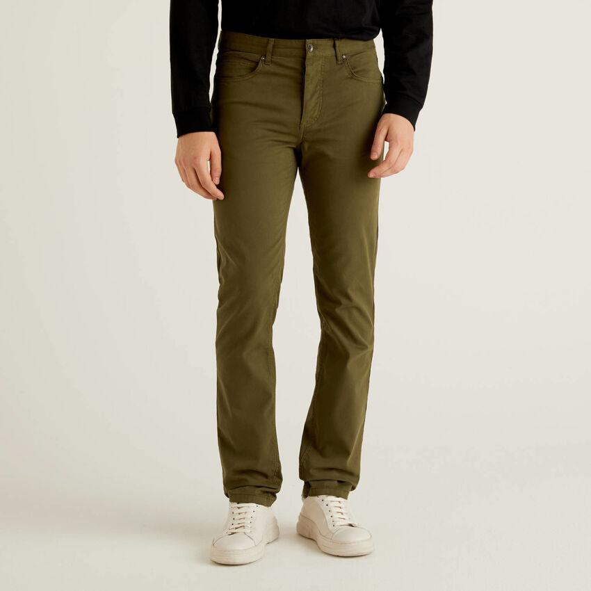 Pantalon cinq poches en coton stretch