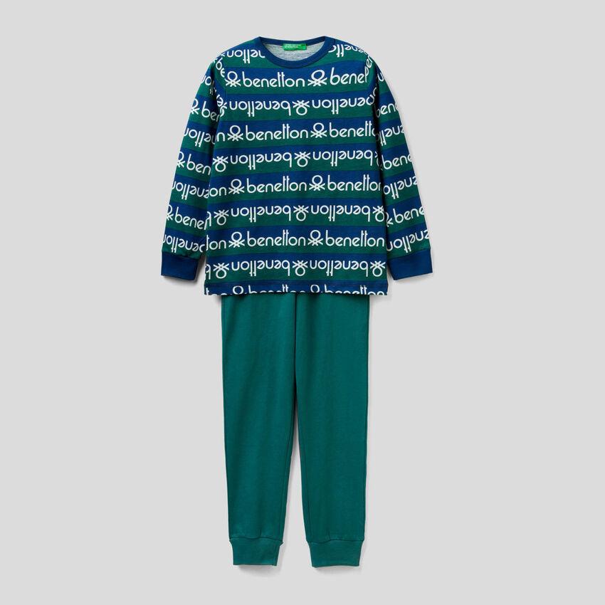 Pyjama avec haut à rayures et logo imprimé