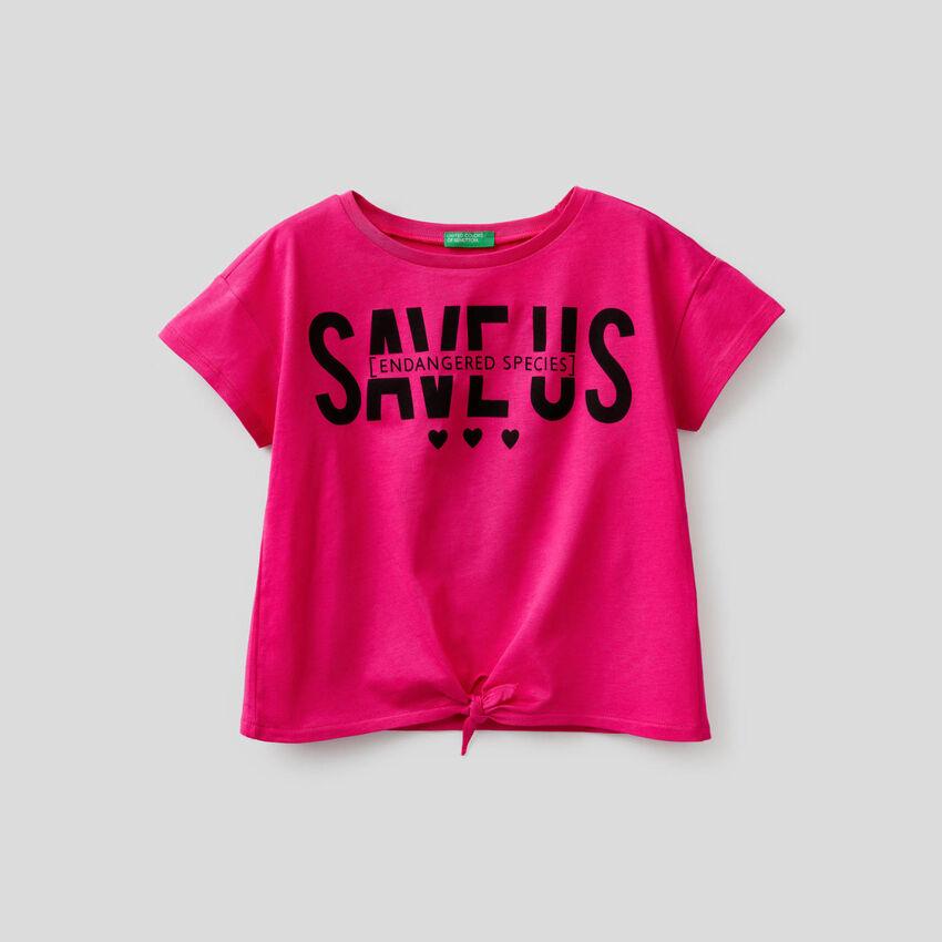 T-shirt avec noeud en bas