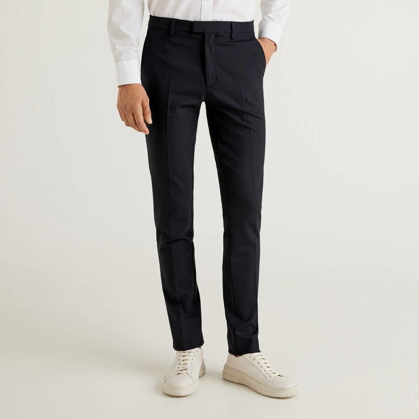 Pantalon coupe slim en laine froide