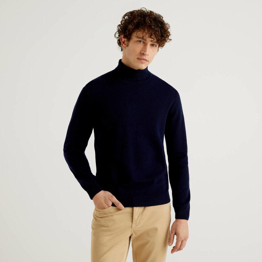 Pull bleu foncé col roulé en pure laine vierge