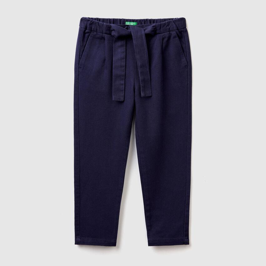 Pantalon doux avec ceinture