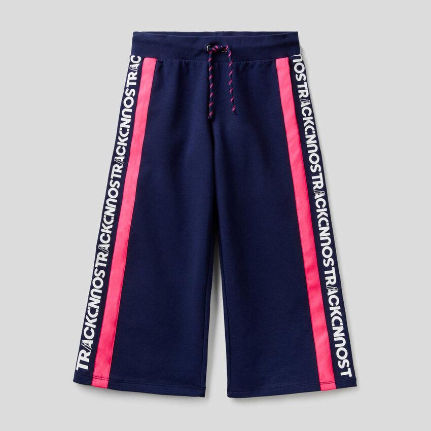 Pantalon cropped en molleton