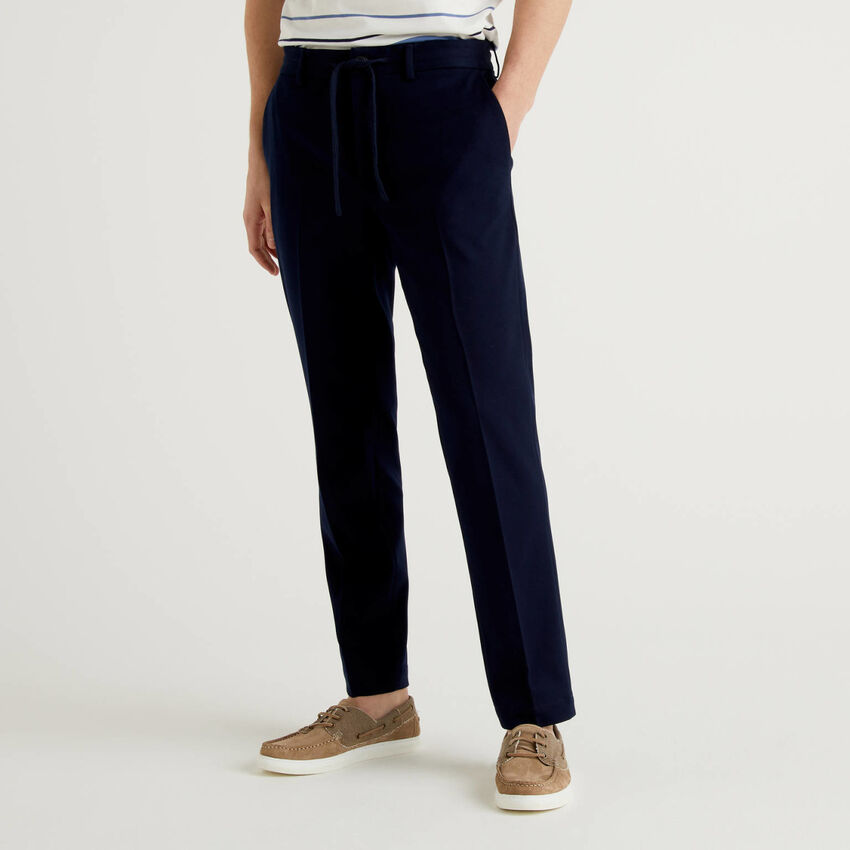 Pantalon coupe regular avec cordon de serrage