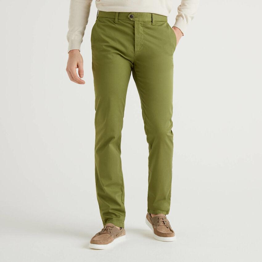Chino stretch vert kaki coupe slim
