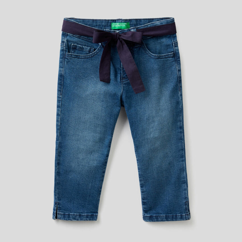 Jeans stretch avec ceinture en tissu