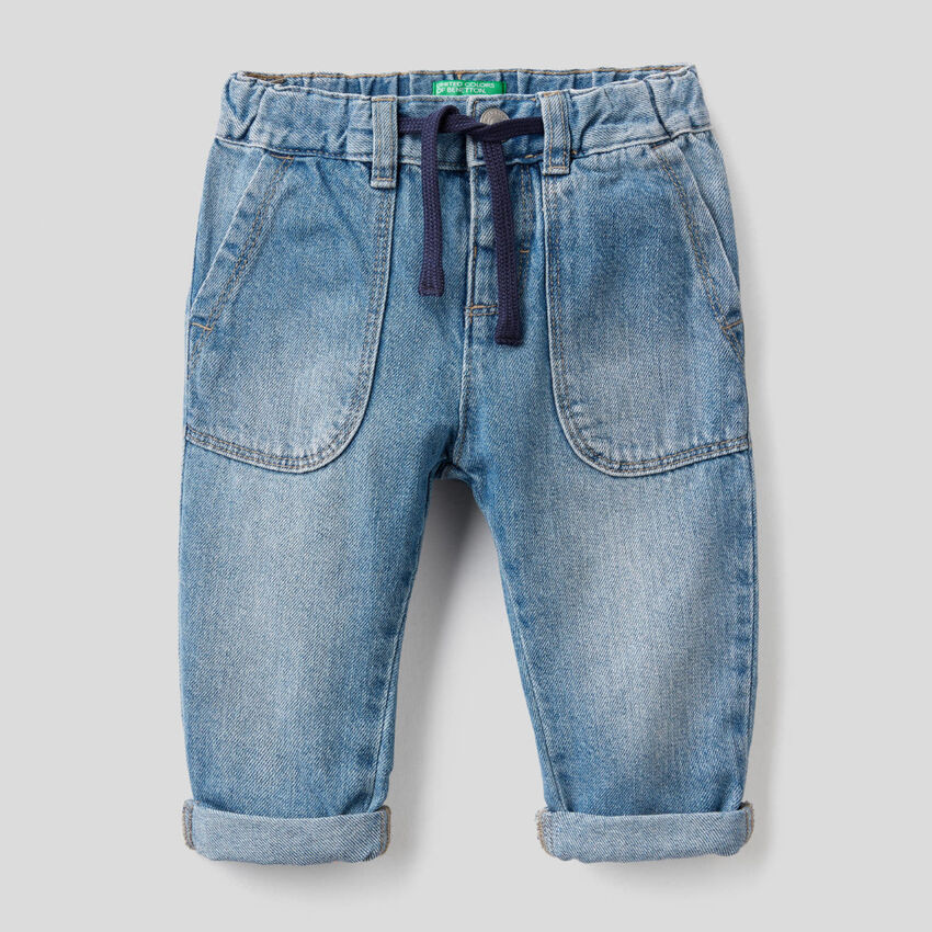 Jeans 100% coton avec grandes poches